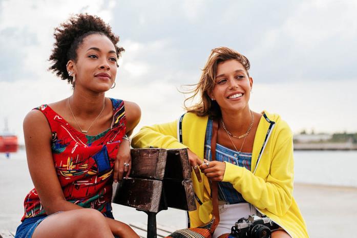 Le amiche Summer e Sofia in una scena di Summertime 2