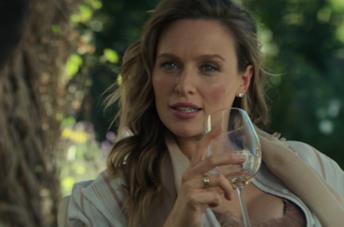 Michaela McManus è Natalie Engler nella terza stagione di You