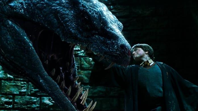 Harry uccide il basilisco con la spada di Grifondoro