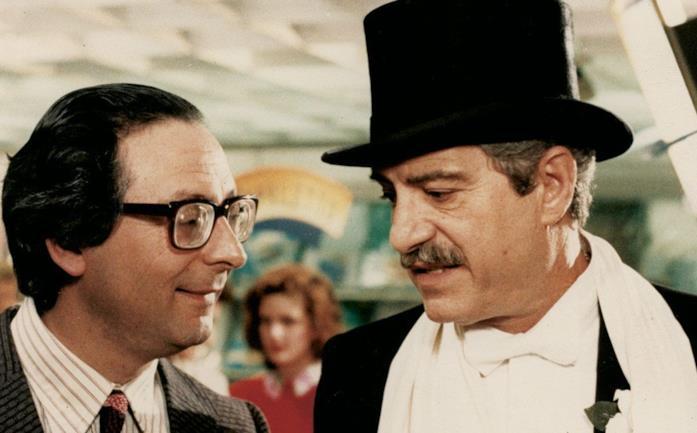 Nino Manfredi e Leo Gullotta in una scena del film