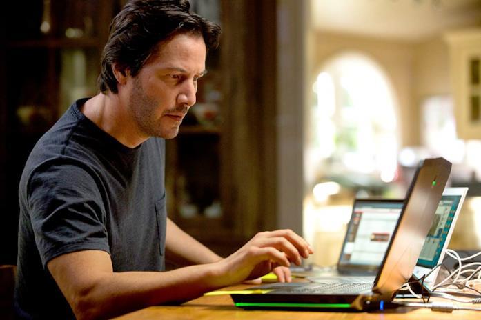 Keanu Reeves in un'immagine del film Replicas