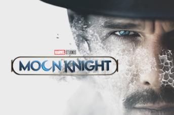 A sinistra il logo di Moon Knight, a destra Ethan Hawke in Predestination