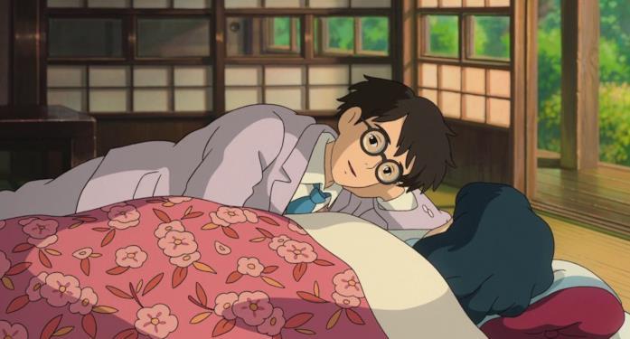Jiro, tornato esausto dopo una notte a lavoro, si sdraia accanto alla debole Nahoko