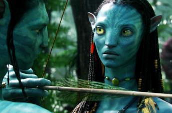 Primo piano del viso di Neytiri, principessa del pianeta Pandora