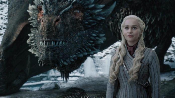 Emilia Clarke è Daenerys in Game of Thrones 8