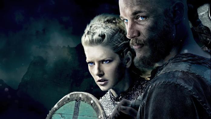 Primo piano di Katheryn Winnick e Travis Fimmel in Vikings
