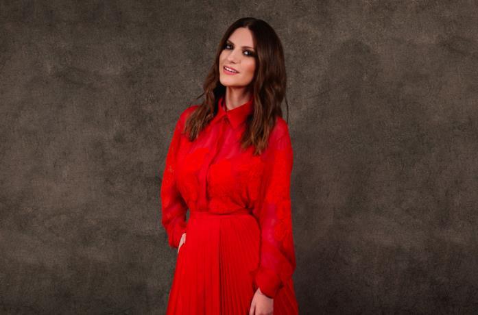 La foto di Laura Pausini per il red carpet digitale
