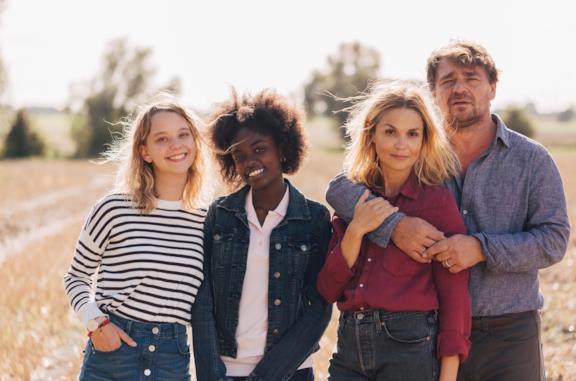 Il cast del film Un fragile legame