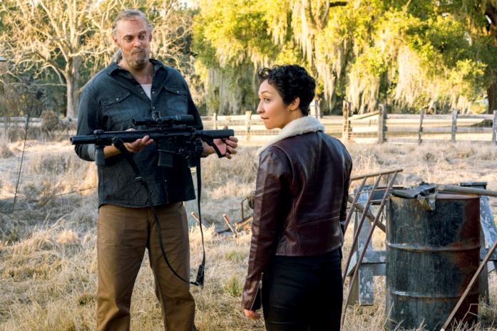 Jody con un fucile e Tulip in Preacher 3