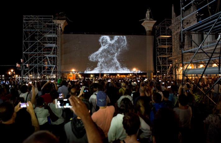 I maxi-schermi per Spider-Man: Far From Home a Piazza San Marco