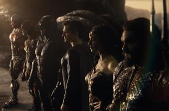 Gli eroi della Justice League nella scena finale