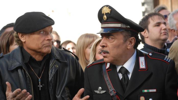 Una scena di Don Matteo con Terence Hill e Nino Frassica
