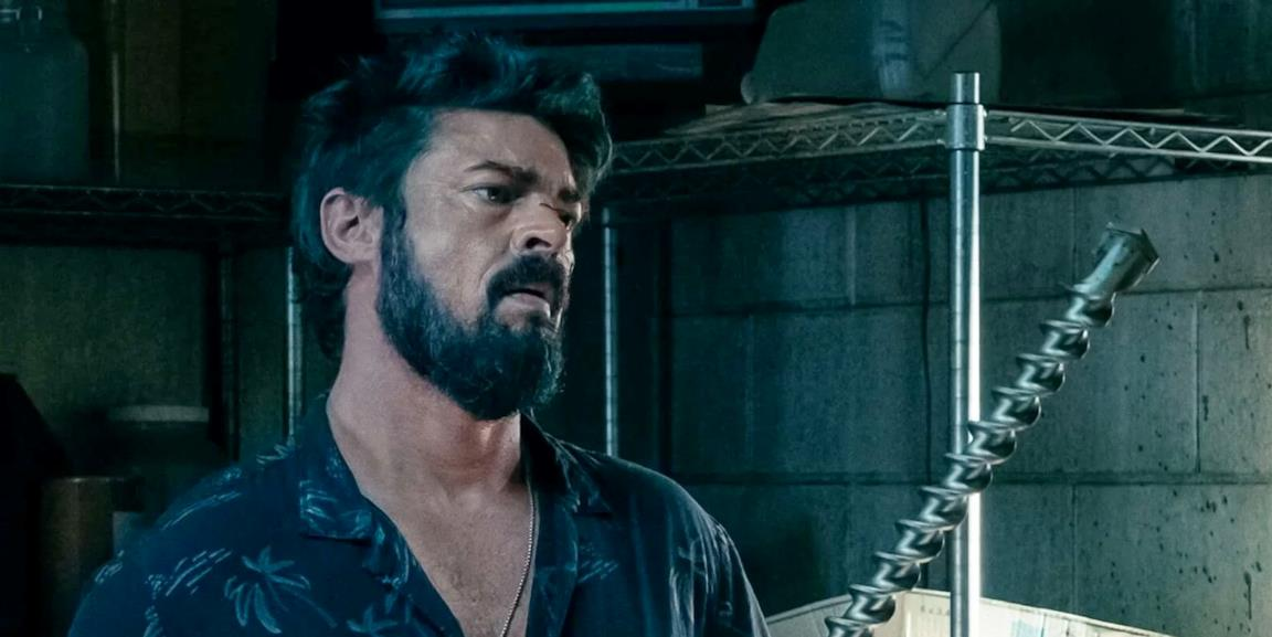 Karl Urban è Billy Butcher, con un trapano in mano