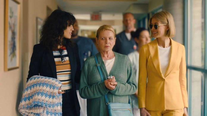 Fran e Marla portano Jennifer nella casa di cura
