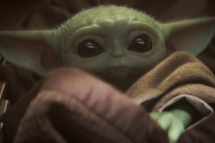 Primo piano di Baby Yoda in The Mandalorian
