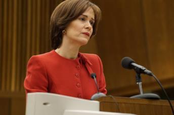 Marcia Clark interpretata da Sarah Paulson ne Il caso O.J. Simpson