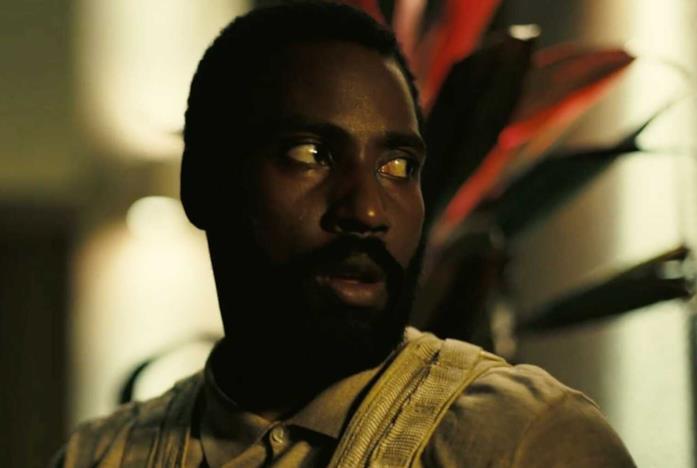Il protagonista interpretato da John David Washington