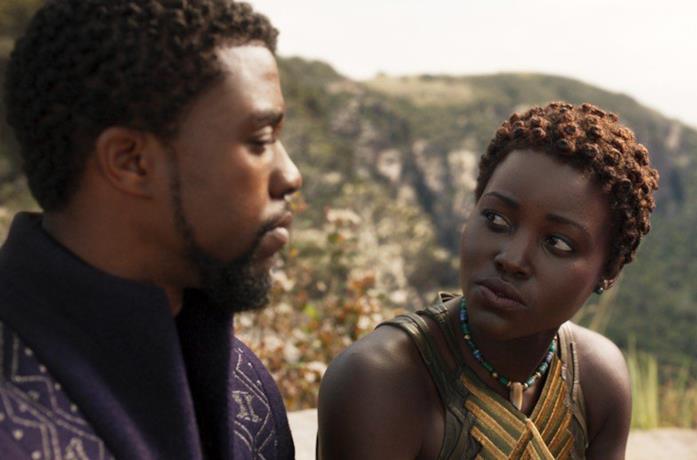 Un'immagine di Lupita Nyong'o e Boseman in Black Panther