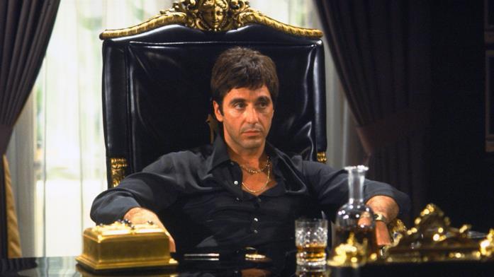 Un'immagine con Al Pacino nei panni di Tony Montana in Scarface