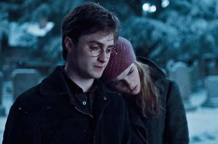Daniel Radcliffe e Emma Watson in Harry Potter e i Doni della Morte - Parte I
