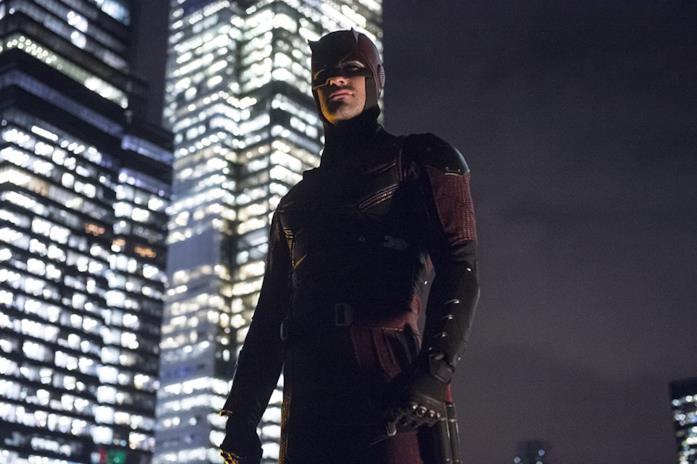 Charlie Cox nel costume di Daredevil