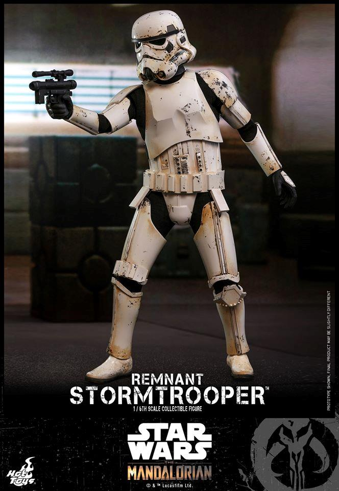 Stormtrooper, la nuova action figure di Hot Toys da The Mandalorian - figura intera