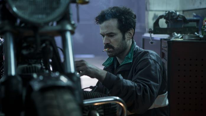 Romain Duris in una scena del film Iris