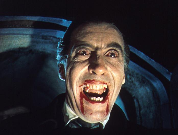 Il Conte Dracula è interpretato da Christopher Lee