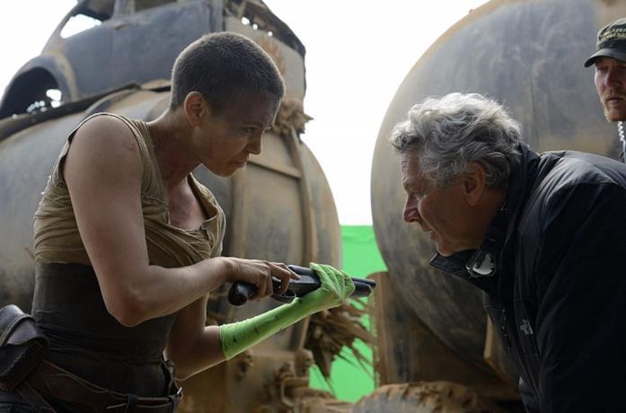 Charlize Theron e George Miller sul set di Mad Max: Fury Road