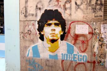 Un murales dedicato a Diego Armando Maradona a Buenos Aires
