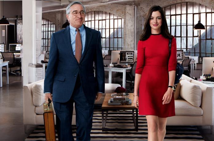 Robert De Niro e Anne Hathaway ne Lo stagista inaspettato