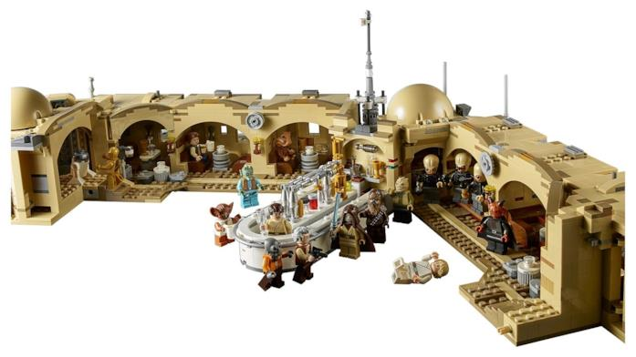 Un'immagine della Taverna Mos Eisley LEGO aperta