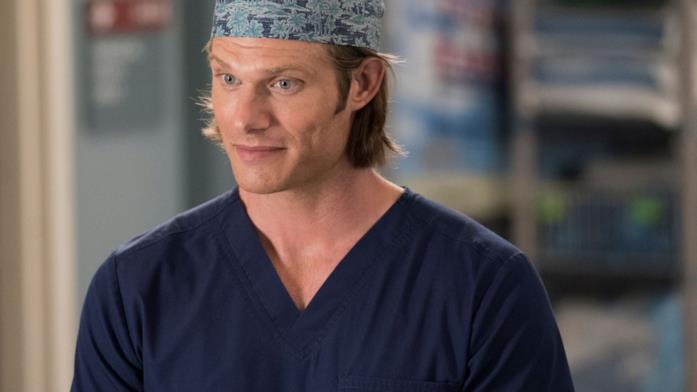 Chris Carmack è Link in una scena di Grey's Anatomy