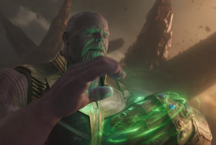 Thanos mentre usa le Gemme dell'Infinito