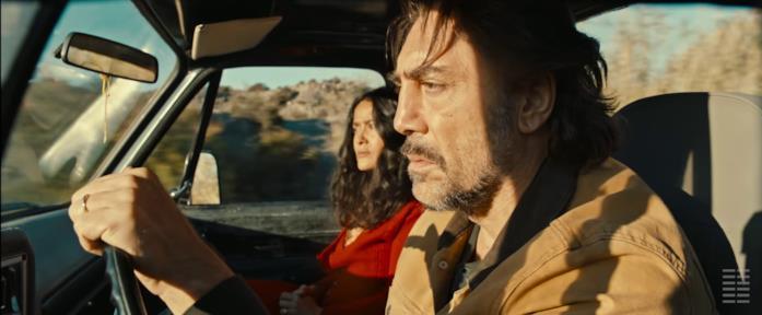 Javier Bardem e Salma Hayek nel film The Roads No Taken