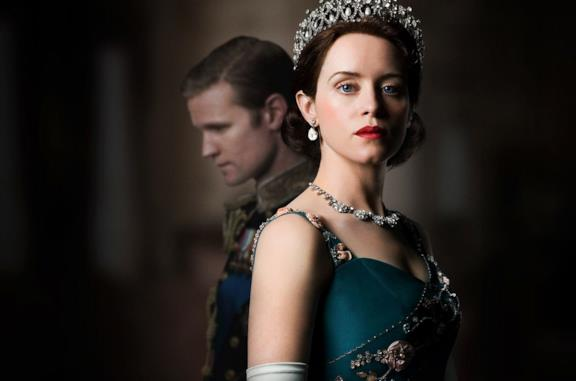 L'attrice Claire Foy è Elisabetta II in The Crown