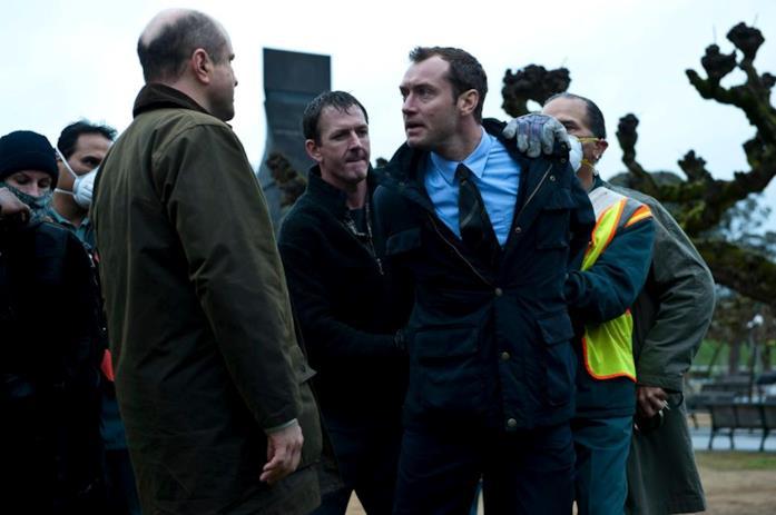 Contagion con Jude Law