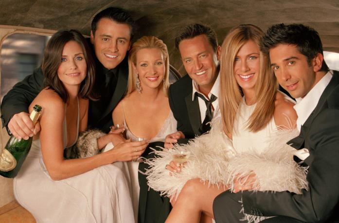 Primo piano del cast di Friends, in veste elegante