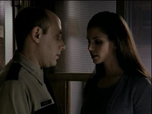 Willie Garson e Charisma Carpenter in Buffy The Vampire Slayer