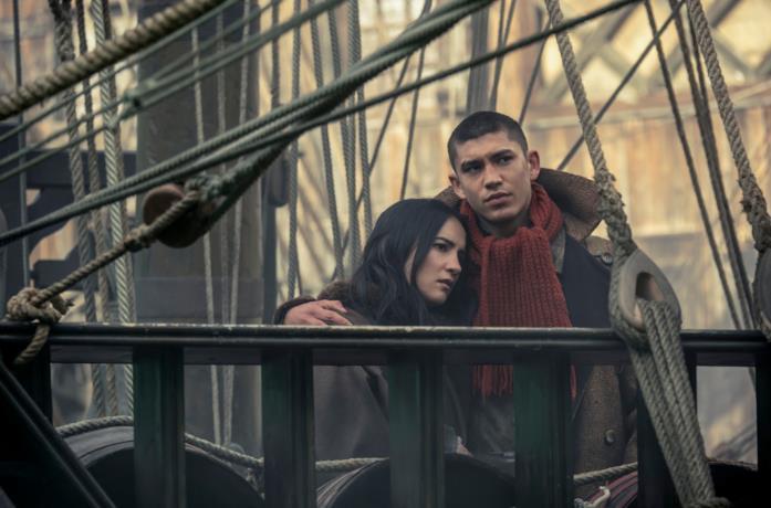 Alina e Mal s'imbarcano