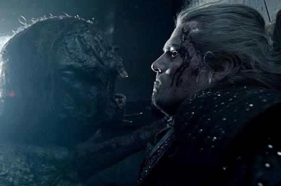 Geralt affronta la strige in The Witcher
