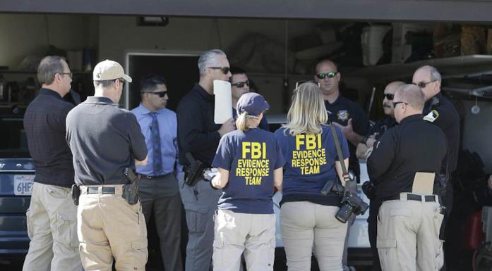 Gli agenti dell'FBI al momento dell'arresto del Golden State Killer