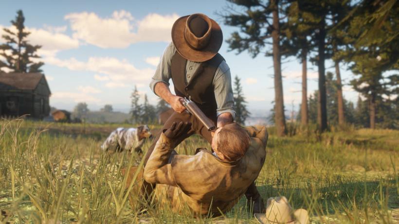 Arthur, protagonista di Red Dead Redemption 2, intimorisce un uomo