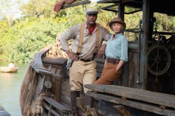 Frankie e Lily sulla barca di Jungle Cruise