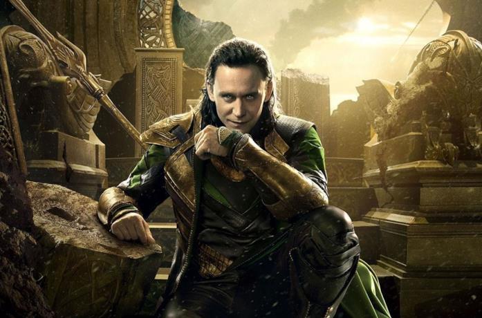 Tom Hiddleston nel ruolo di Loki