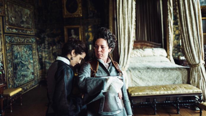 Una scena de La Favorita con Rachel Weisz e Olivia Colman