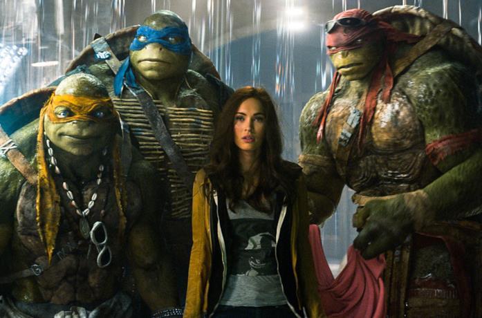 Michelangelo, Leonardo, Raffaello e April nel film Tartarughe Ninja