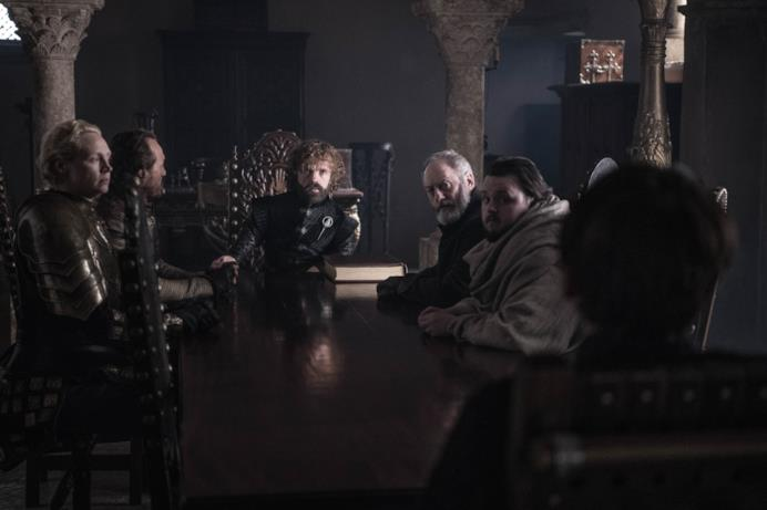 Tyrion e il Concilio Ristretto nell'episodio di GoT 8x06, The Iron Throne