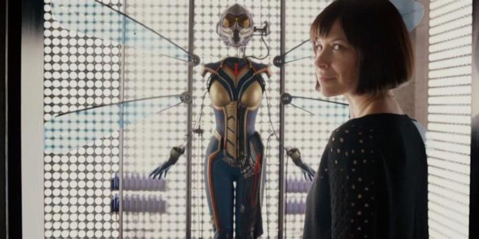 Evangeline Lilly e il suo costume da Wasp al termine di Ant-Man