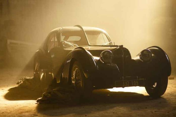 LA Bugatti Type 57 SC Atlantic nel film Overdrive